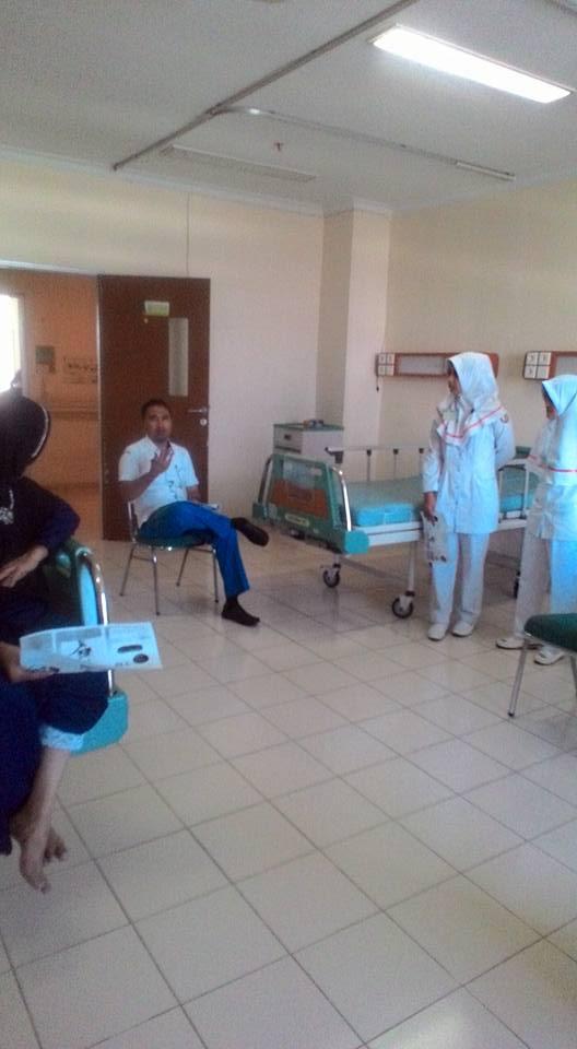 PENGABDIAN MASYARAKAT: EDUKASI KESEHATAN TENTANG TUBERCULOSIS DI RUANGAN KENANGA RSUD ARIFIN ACHMAD PEKANBARU (15 MARET 2017)