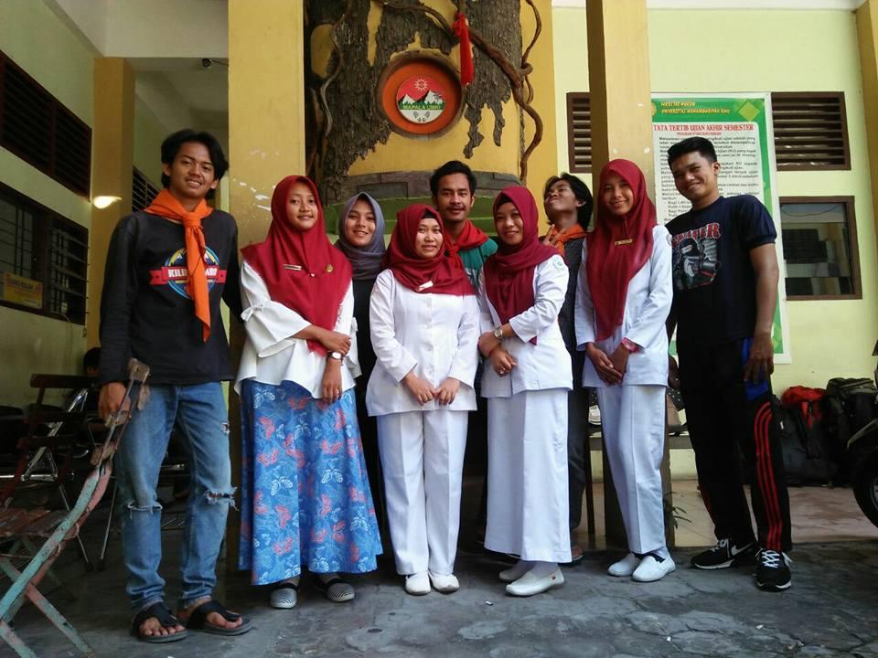 Team Kesehatan Keperawatan UMRI (HIMAKEP) pada kegiatan Rekurtment Pendidikan Dasar (DIKSAR) MAPALA UMRI (Oktober 2017)